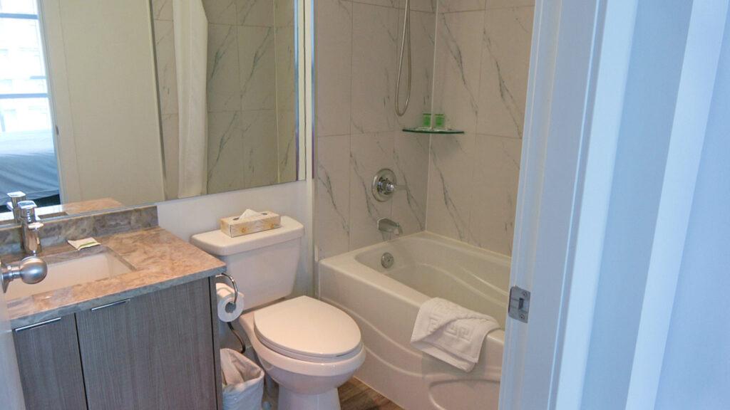 Presidential Suites Master Bedroom Bathroom